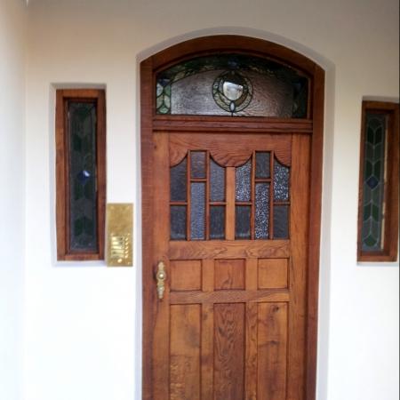 Fassade+Eingangst%C3%BCre.jpg